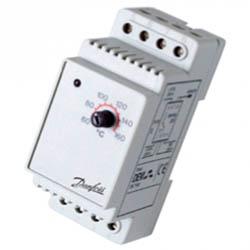 Терморегулятор Devireg 330, +5°C-+45°C с датч. на проводе. Установка на шину DIN (140F1072)